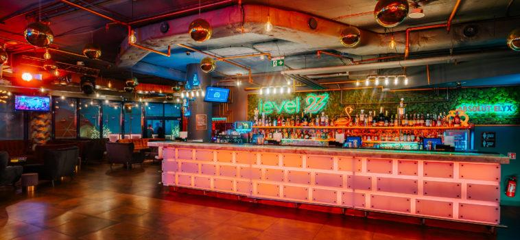 Closed party in a dance club / Impreza zamknięta w klubie muzycznym