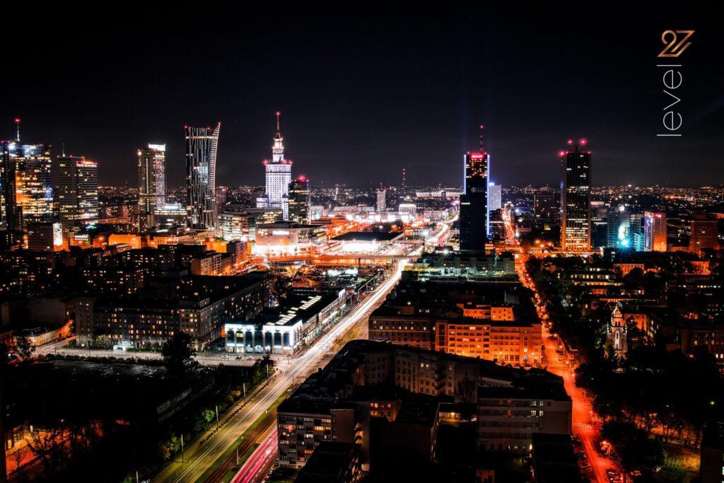 najlepszy klub warszawa, imprezy na dachu, najlepsze kluby nocne w Polsce, życie nocne w Warszawie, wieczór kawalerski